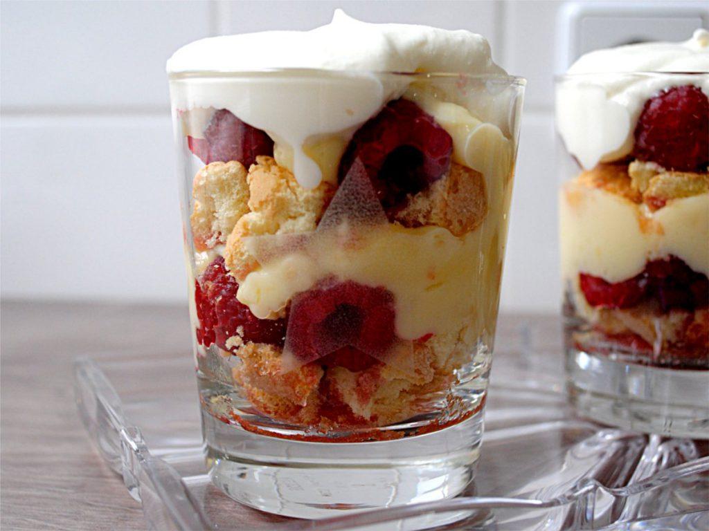 trifle-mit-himbeeren