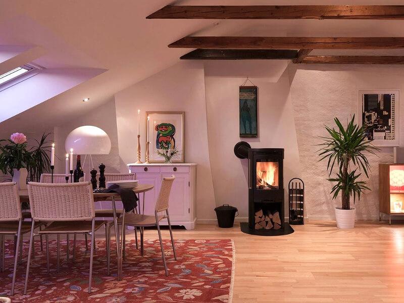 homestory gro e einzigartige penthousewohnung frau nira. Black Bedroom Furniture Sets. Home Design Ideas
